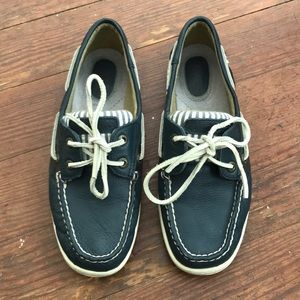 Sperry's navy boat shoes